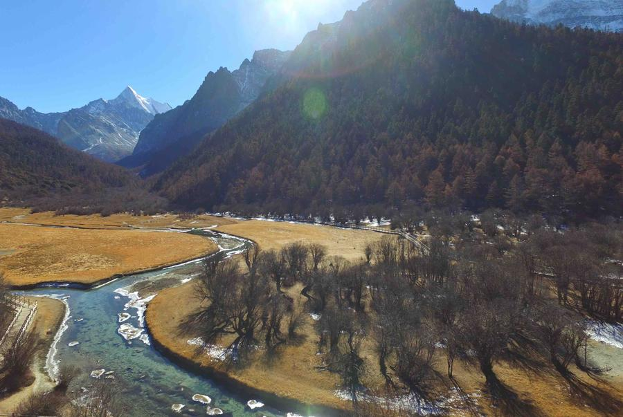 Daocheng Yading, a winter fairyland